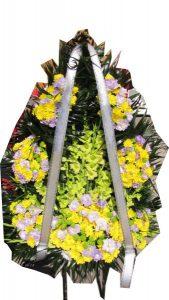 Венок с живыми цветами 7